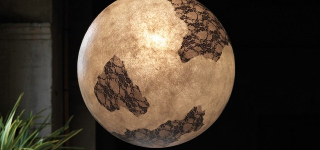 Líneas suaves que evocan la misteriosa luz de la luna