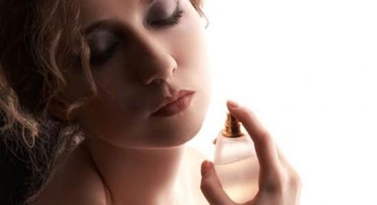 Estudios revelan que usar perfume te hace ser más atractiva