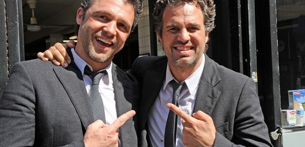 Actores famosos junto a sus dobles! ¿Encuentras la diferencia?