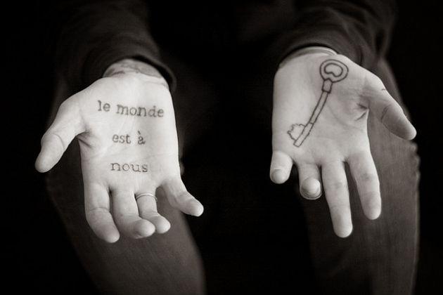 tatuajes-en-la-palma-de-la-mano-una-zona-dolorosa-1