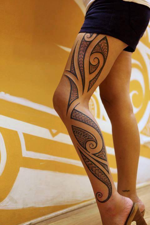 tatuaje en la pierna para mujeres