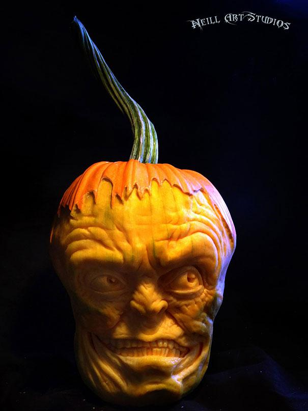 xcreepy-pumpkin-carvings-jon-neill-14.jpg.pagespeed.ic.ZrFcl0JIa1
