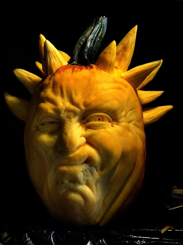 xcreepy-pumpkin-carvings-jon-neill-2.jpg.pagespeed.ic.LHS0JKVvYx