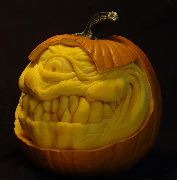 xcreepy-pumpkin-carvings-jon-neill-3.jpg.pagespeed.ic.47Mpo6wW14