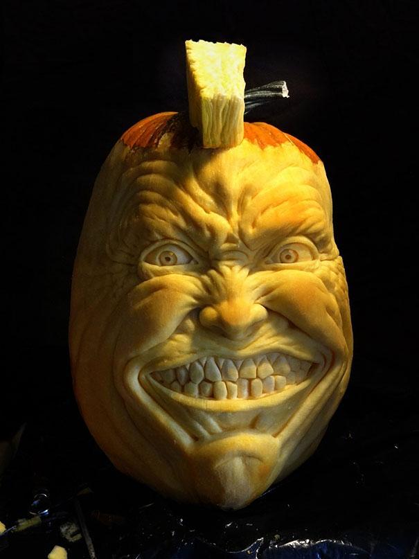 xcreepy-pumpkin-carvings-jon-neill-4.jpg.pagespeed.ic.cT11zdgDNr