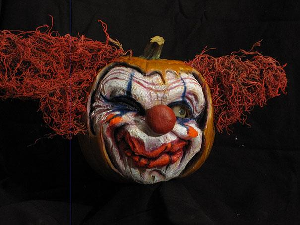 xcreepy-pumpkin-carvings-jon-neill-6.jpg.pagespeed.ic.yih7jnHgMX