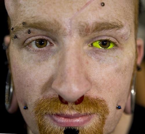 yellow-eyeball-tattoo