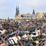 En Amsterdam ya no hay  espacio para estacionar las bicicletas
