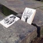 Divertidas ilustraciones de Troqman 'colándose' en fotografías 'Cartoon Bombing'