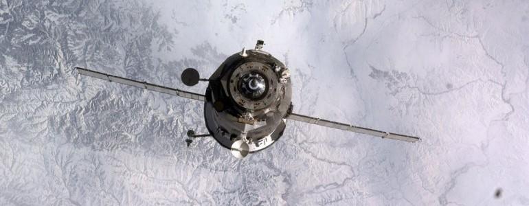 Nave rusa fuera de control está cayendo hacia la Tierra