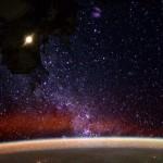 La Tierra por la noche desde el espacio